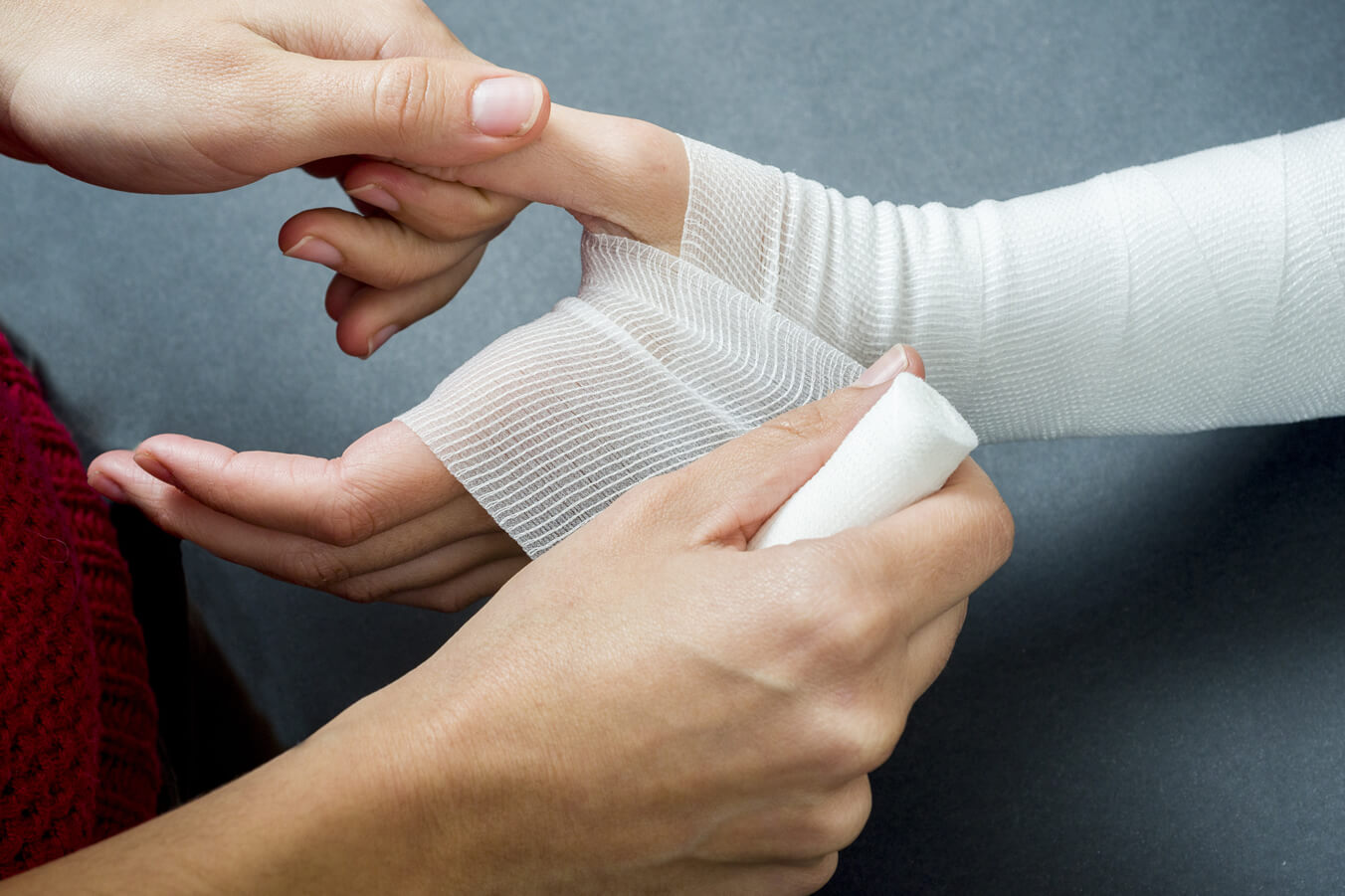 Our hand therapists specialize in the rehabilitation of hand, wrist, elbow shoulder injuries, including sprains and strains.